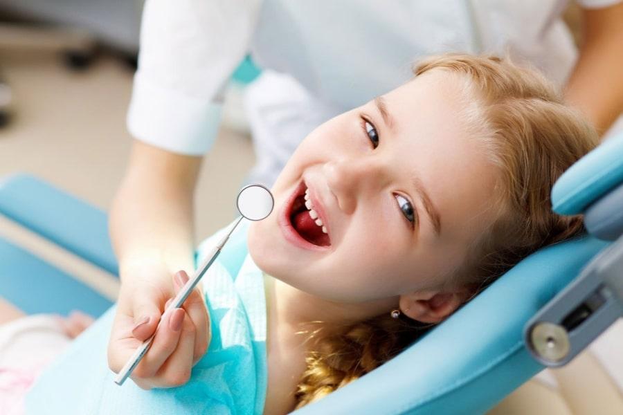 Ребенок на приеме у стоматолога